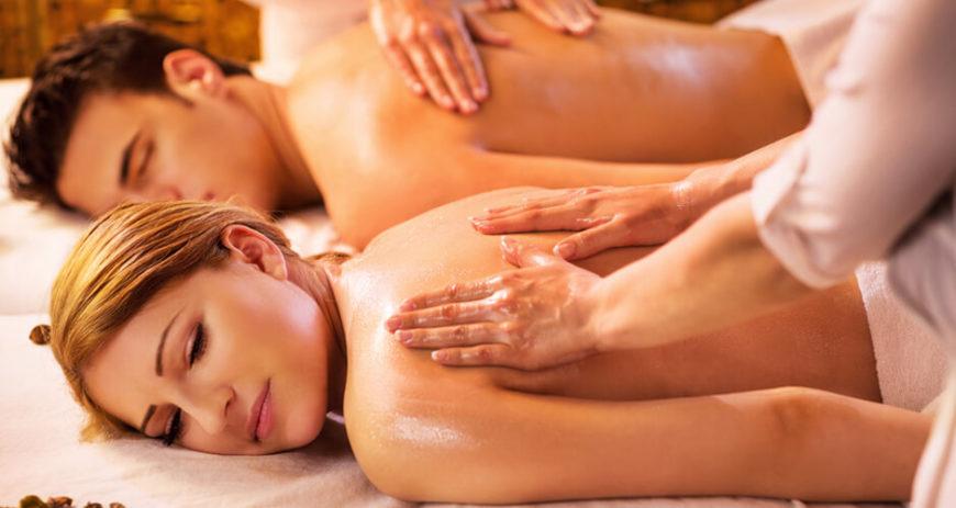 couple-body-massage-parlour