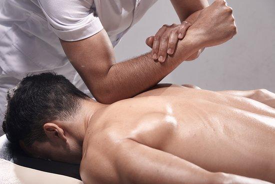 Body-Massage-Center-in-Koregaon-Park-Pune-1
