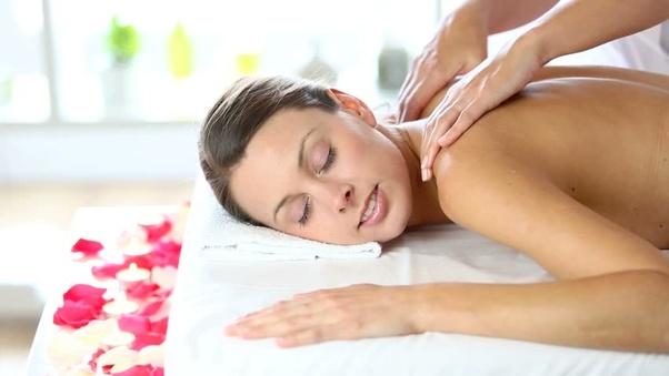 Body-Massage-in-Lalkothi-Jaipur