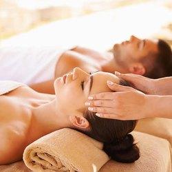 Body-Massage-in-Sindhi-Camp-Jaipur