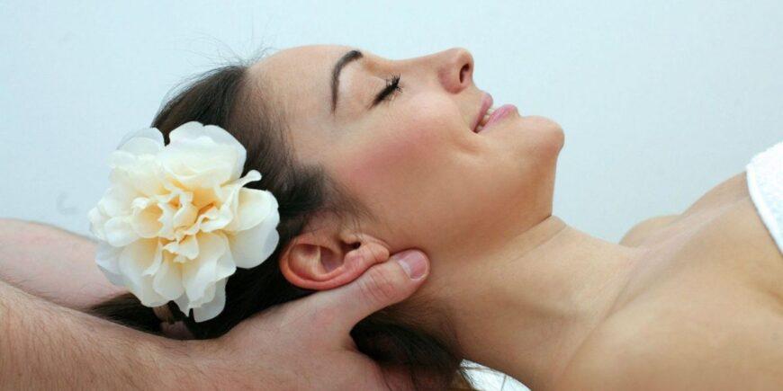 Female-to-Male-Body-Massage-in-Kanjurmarg