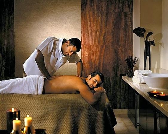 Male-to-Male-Body-Massage-in-Powai