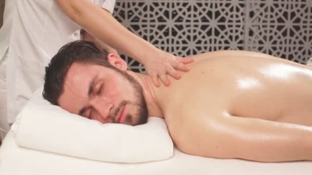Male-to-Male-Massage-in-Vile-Parle